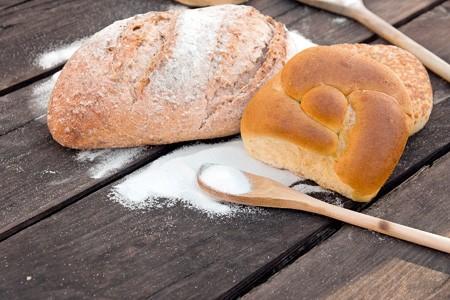 Αλάτι στο ψωμί: τι ισχύει στην πραγματικότητα!