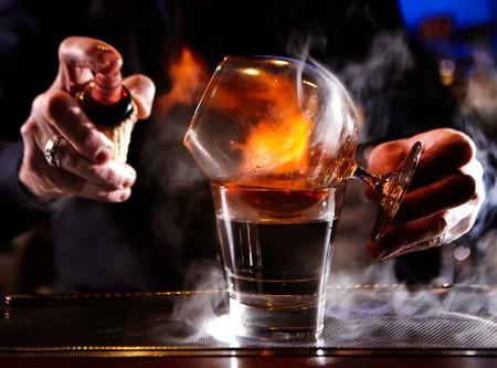 Ζεστά cocktail: ανασύροντας το παρελθόν από τη λήθη