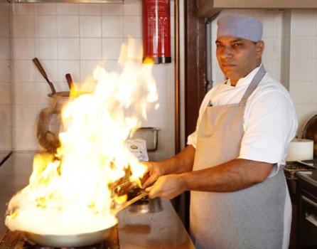 Εξερευνώντας την ινδική κουζίνα. Πικάντικες γεύσεις, ευρηματικές τεχνικές.