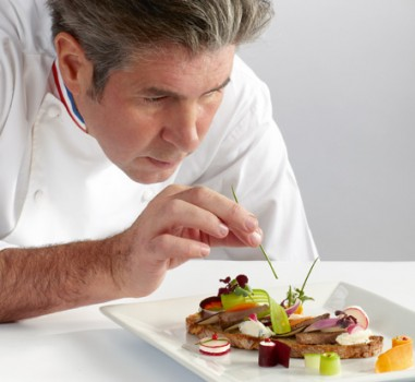Gourmet snack & γαστρονομικός μινιμαλισμός από τον Michel Roth