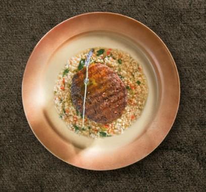 Το κρέας στο επίκεντρο: Μπιφτέκι μοσχαρίσιο με πρόβειο ξινό τραχανά